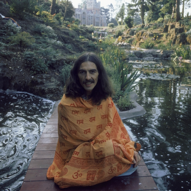 111129-george-harrison-03.photoblog900